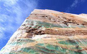 Esmeralda Onyx Quarry (1)