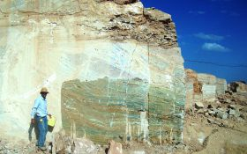 Esmeralda Onyx Quarry (6)